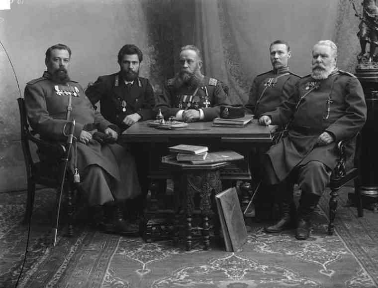 Группа полицейских. Фото М.Дмитриева, 1896.