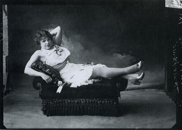 Ярмарочная шансонетка Масленникова. Фото М.Дмитриева, 1896.